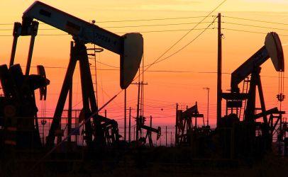 Цена на нефть превысила психологическую отметку в 50 долларов за баррель