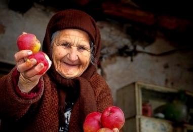 Среди долгожителей в Беларуси лидируют женщины: на одного дедушку, кому за 100, приходится 7 таких же бабушек