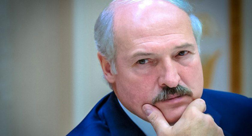 Лукашенко поручил проработать дополнительные меры поддержки малоимущих жителей