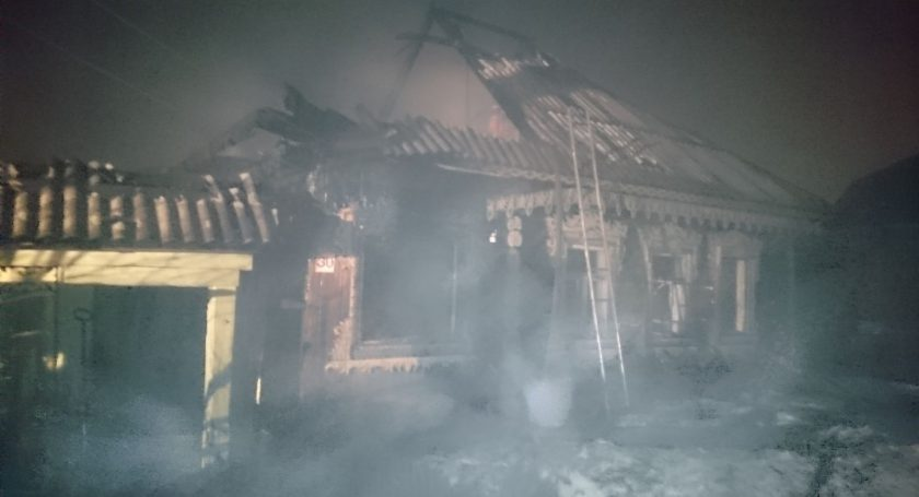 Два человека погибли напожаре вСморгонском районе