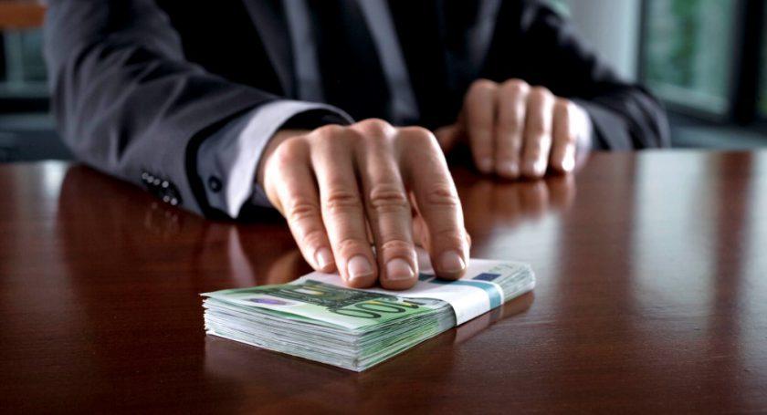 Функционер Белорусской федерации футбола завзятки назначал судей наматчи