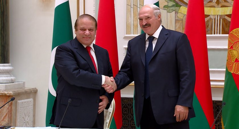 Лукашенко иШариф договорились укреплять сотрудничество повсем направлениям