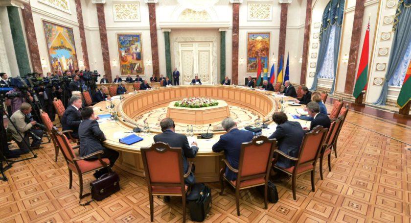 ЗаКрым: Киев угрожает Минску поменять место встречи Контактной группы