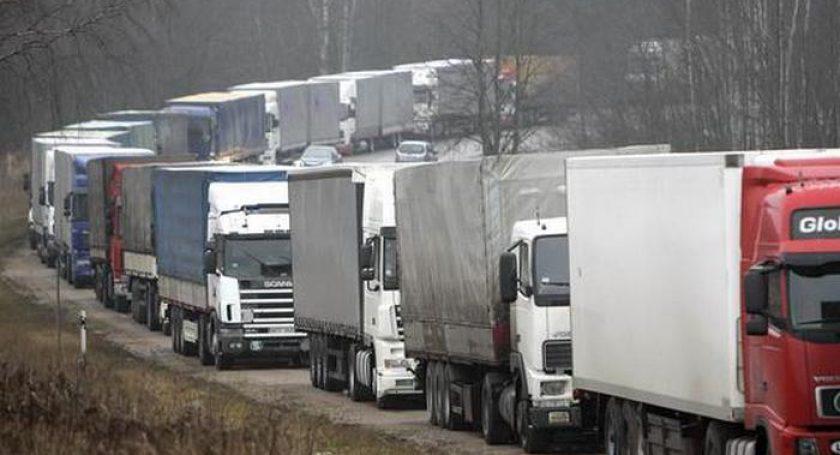 Очереди из фургонов отмечаются навыезде из Беларуссии вЛитву