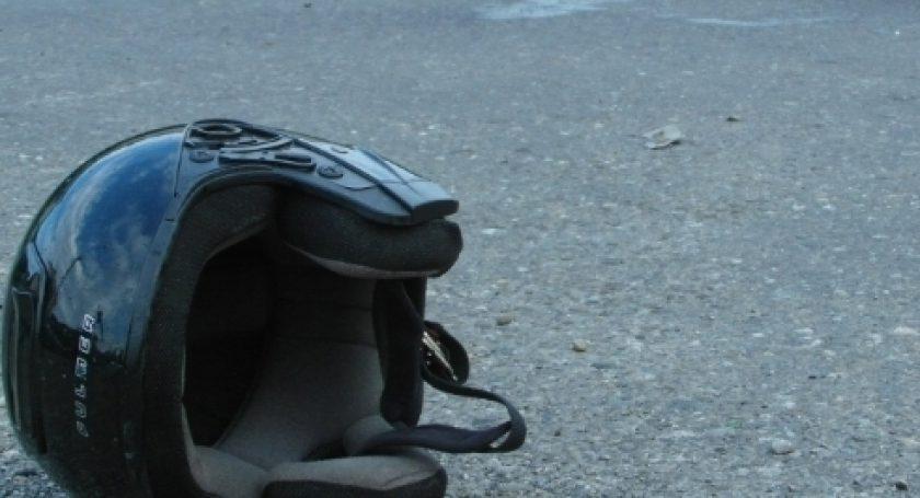 ВКобринском районе мотоциклист умер под колесами грузового автомобиля