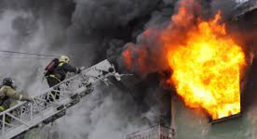 Пенсионер госпитализирован врезультате сильного возгорания вжилом доме вМинске