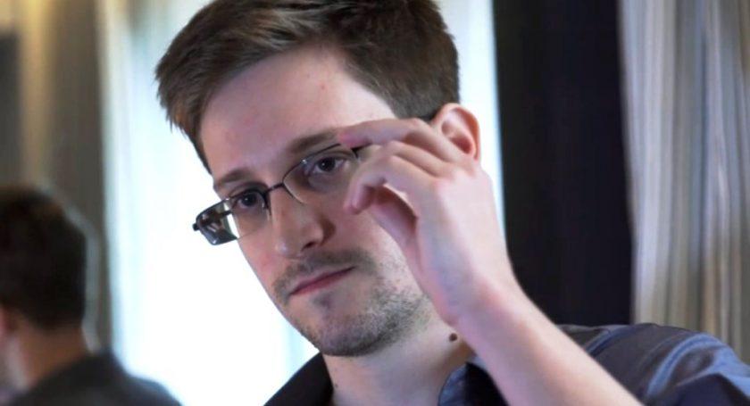 Российская Федерация продлила Эдварду Сноудену временное присутствие вгосударстве