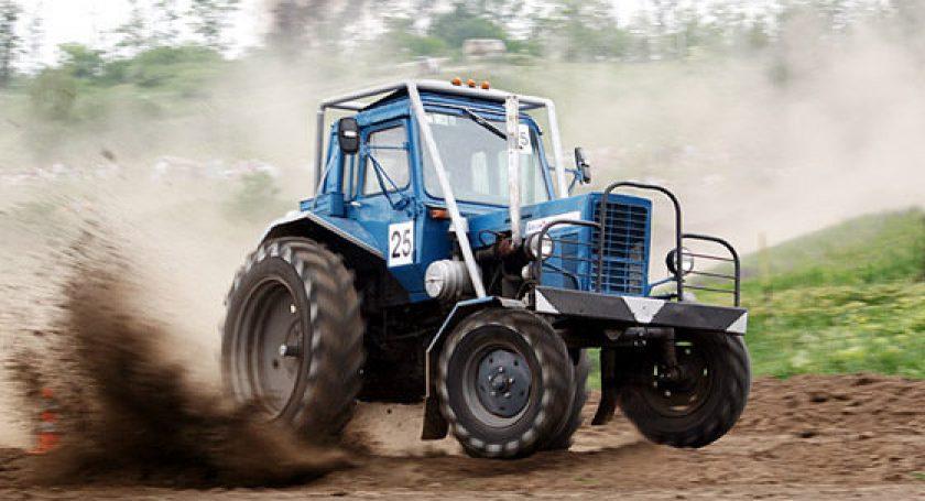 Новогоднее тракторное шоу на МТЗ (13 фото)