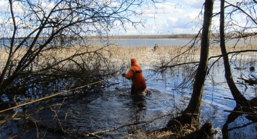МЧС: НаЛукомльском озере cотрудники экстренных служб сняли сльдины рыбака