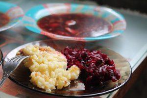 Обед: постный борщ о картофельная запеканка с варёной свёклой