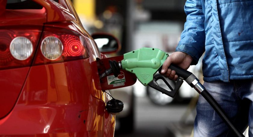 Беларусь  планирует поднять уровень цен наавтомобильное горючее  до русского