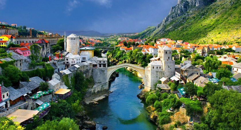 Албания отменяет визы для граждан России налетний период