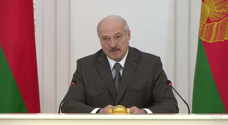 Лукашенко о бесхозяйственности на селе: посадите кого-нибудь