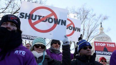 Протестующие американцы требуют прекратить шатдаун