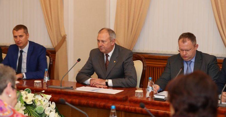 Премьер министр Румас на заседании правительства