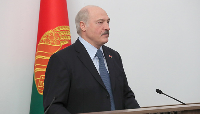 Александр Лукашенко держит слово перед курсантами Военной академии