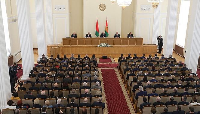 22 марта Александр Лукашенко посетил Барановичский район, где встретился с активом района и города Барановичи