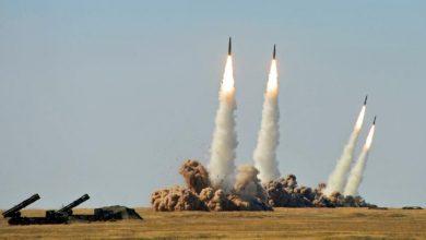 Взлетающие с полигона ракеты