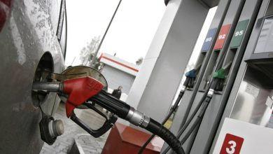 АЗС, заправлять машину топливом