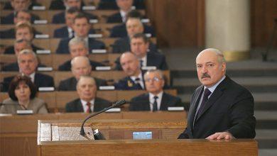 Президент Беларуси Александр Лукашенко выступает в парламенте