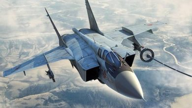 МиГ-31 совершает дозаправку в воздухе