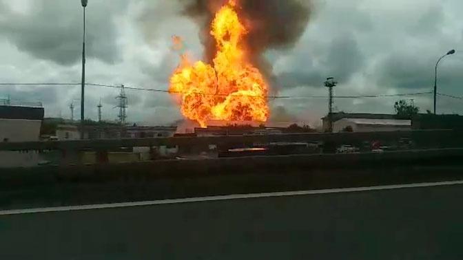 Факел пожара на ТЭЦ в Мытищах
