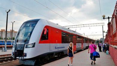 Поезд Минск-Вильнюс стоит на пероне