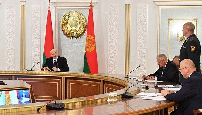 Президент на совещании с министрами
