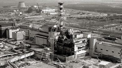Фотография разрушенного чернобыльского реактора (чернобелое фото)