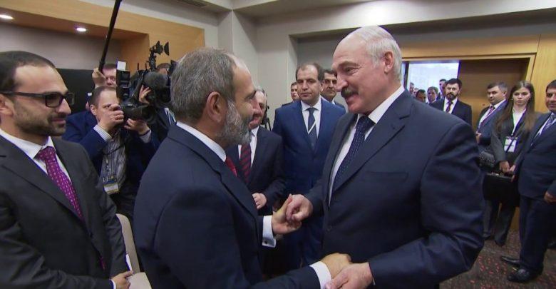 Президент Беларуси Александр Лукашенко и премьер-министр Армении Никол Пашинян