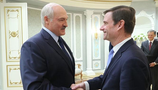 Президент Беларуси Александр Лукашенко 17 сентября в Минске встретился с заместителем государственного секретаря США по политическим вопросам Дэвидом Хэйлом