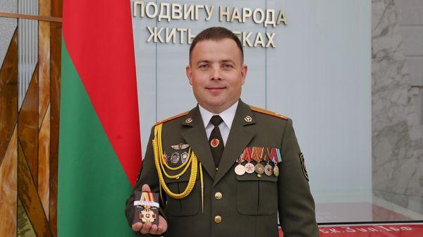Офицер спасший солдата срочника в печах получил награду