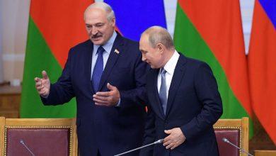 Президент Беларуси Лукашенко и президент россии Путин общаются