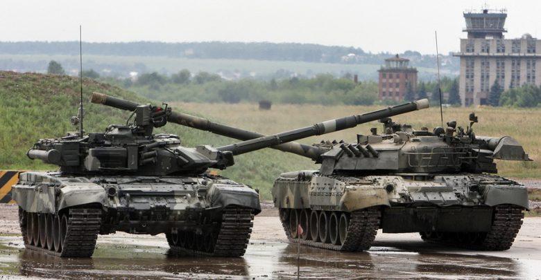 Танки России с перекрещенными орудийными стволами