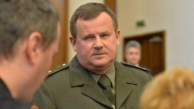 Министр обороны Беларуси в кулуарах