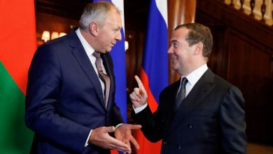 премьер-министр Беларуси Сергей Румас и премьер-министр России Дмитрий Медведев