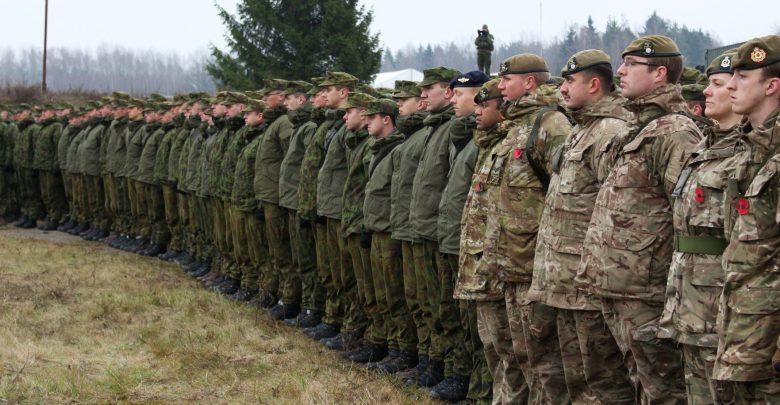 Солдаты сил НАТО в Литве выстроились в ширингу