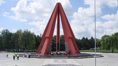 Мемориальный комплекс времен СССР в Молдове