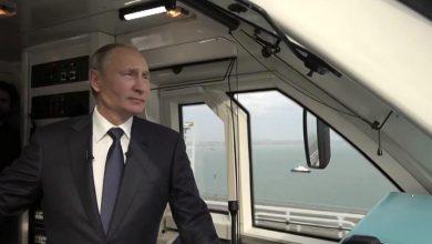 Владимир Путин в кабине машиниста на Крымском мосту