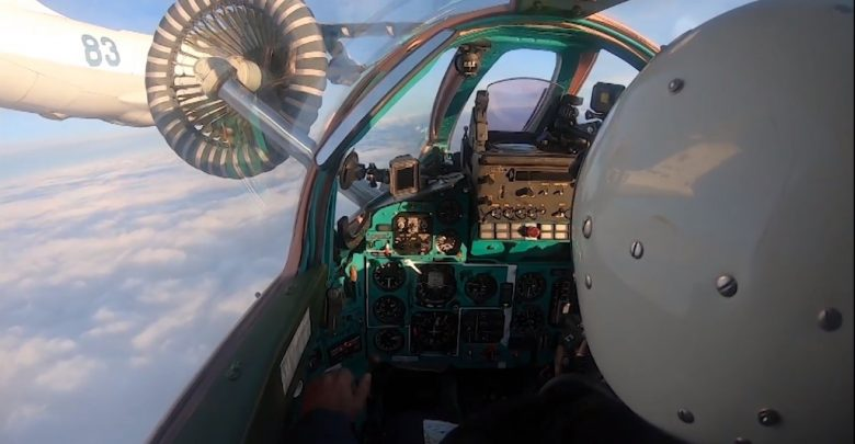 Дозаправка МиГ-31БМ и Су-34 глазами пилота: кадры из кабины