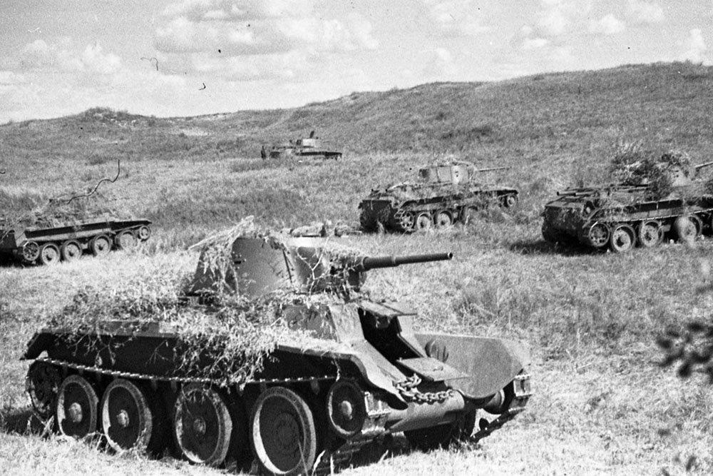 Танковый таран: как БТ-7 уничтожил два немецких Pz.III под Кубинкой