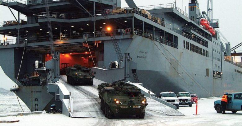 Разгрузка военной техники