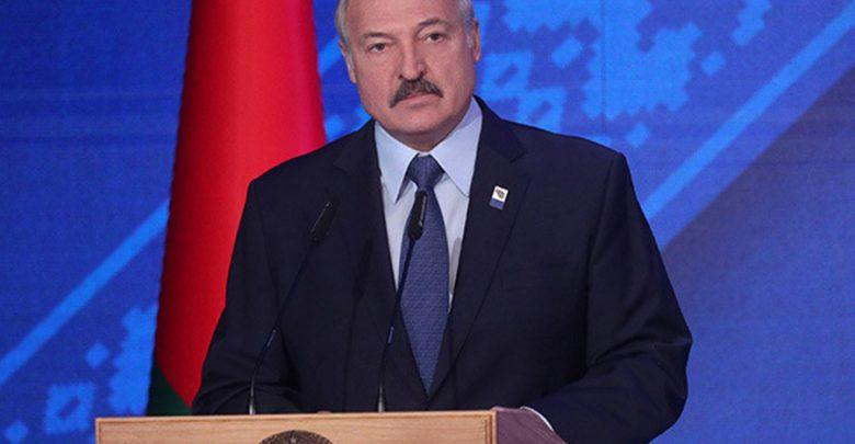 Президент Беларуси выступает на съезде профсоюзов