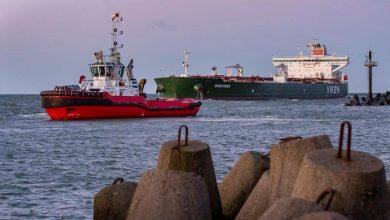 норвежский танкер с нефтью в порту