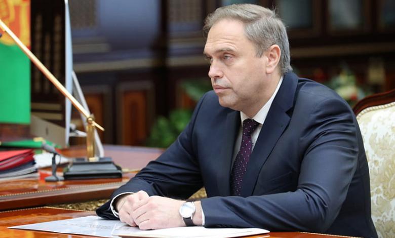 Глава Минздрава Беларуси Владимир Караник в кабинете президента беларуси Александра Лукашенко