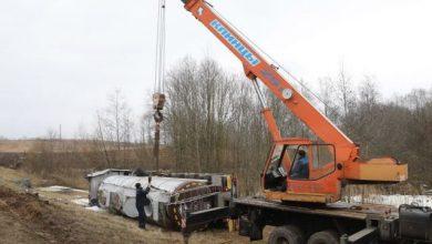 Photo of В Витебском районе перевернулся тягач с пальмовым маслом