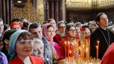 Photo of Минздрав рекомендует верующим отказаться от целования икон и крестов