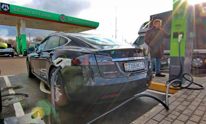 Зарядка электромобиля на сети заправок Белнефтехим