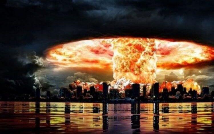 Ядерный взрыв над городом у воды