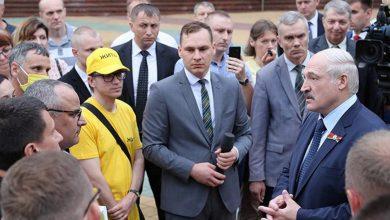 Photo of Лукашенко просит не оскорблять его, называя тараканом и Сашей 3%